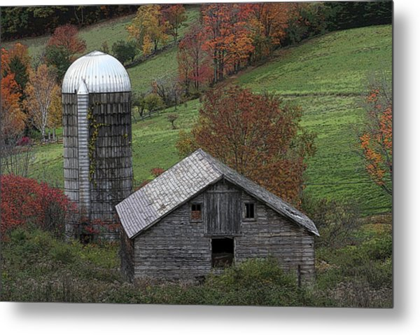 Rupert Mountain Face Barn Metal Print