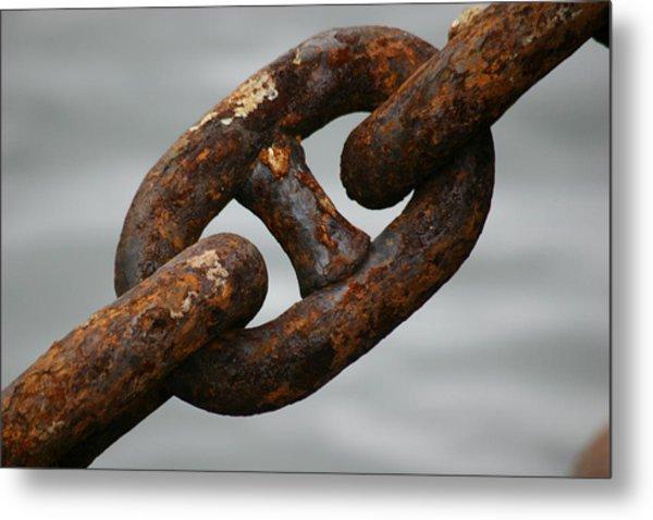 Rusty Chain Metal Print by Hans Jankowski