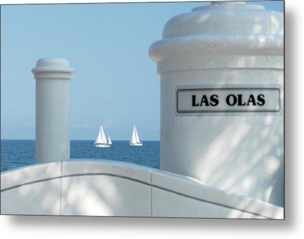 Sailing Las Olas Metal Print