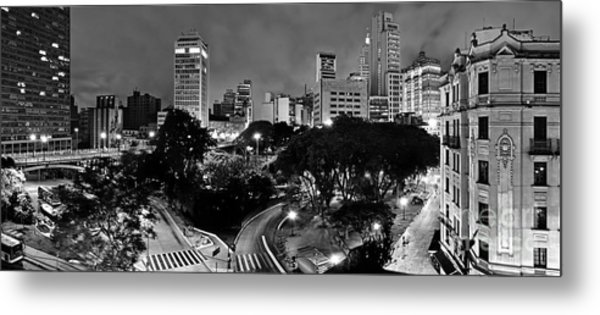 Sao Paulo Downtown At Night In Black And White - Correio Square Metal Print