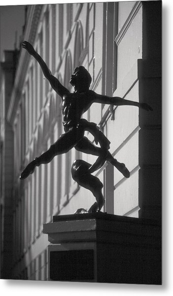 Sculpture London  Metal Print by Douglas Pike