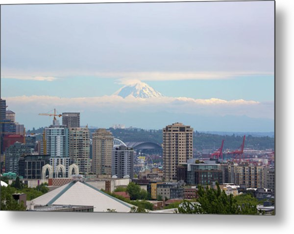 Seattle Skyline With Mt Rainier In Clouds Metal Print
