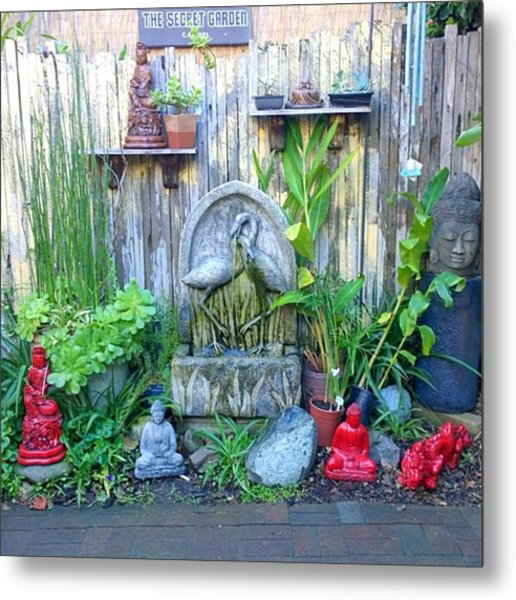 Secret Garden Seen In An Ally Way In Metal Print