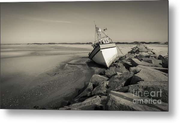 Metal Print featuring the photograph Shipwreck Provincetown Breakwater Cape Cod Ma by Wendy Fielding