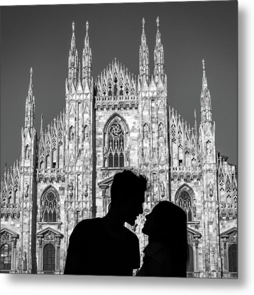 Silhouette Of Young Couple Kissing In Front Of Milan's Duomo Cathedral Metal Print
