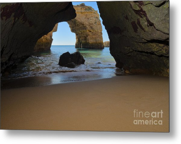 Silky Sands And Arch Metal Print