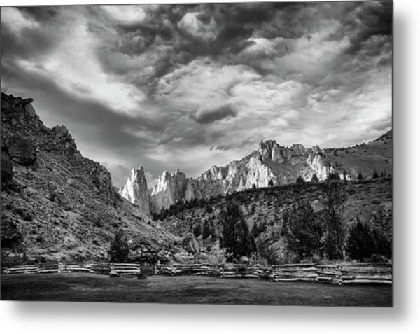 Smith Rock Bw Metal Print