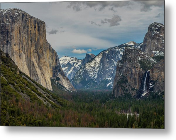 Smokey Yosemite Valley Metal Print