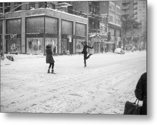 Snow Dance - Le - 10 X 16 Metal Print