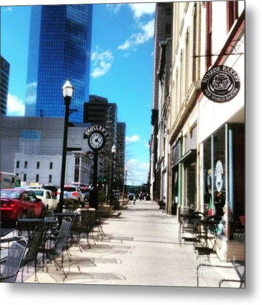 Metal Print featuring the photograph Spring Day In Downtown Lexington, Ky by Rachel Maynard