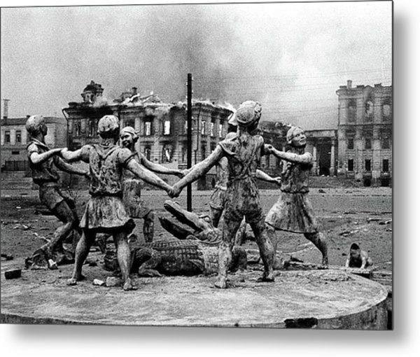 Statue Of Children After Nazi Airstrikes Center Of Stalingrad 1942 Metal Print