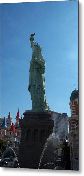 Statue Of Liberty Las Vegas Metal Print by Alan Espasandin