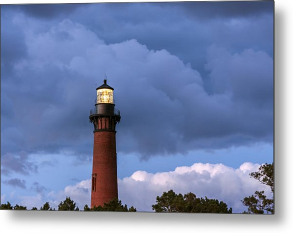 Storm Looms Near Currituck Beach Lighthouse Metal Print
