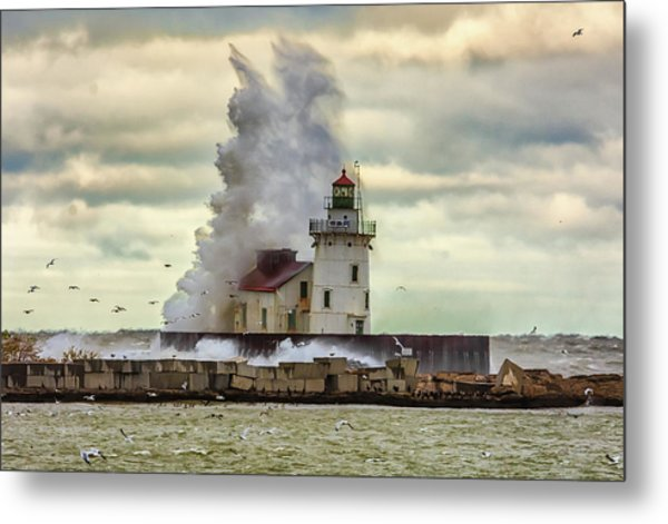 Storm Waves At The Cleveland Lighthouse Metal Print