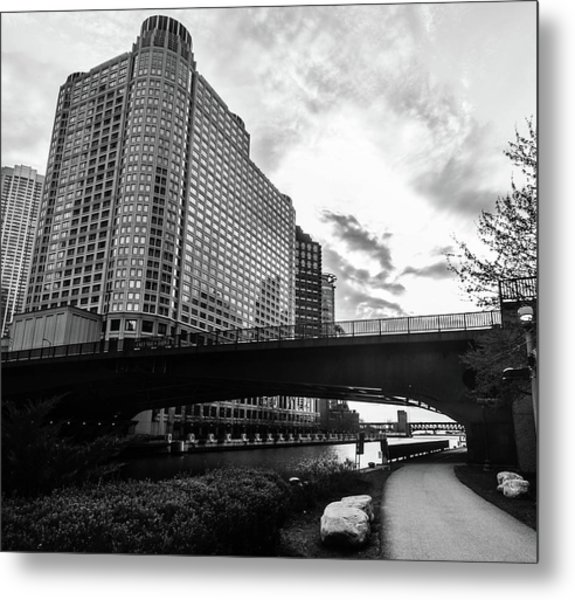 Strolling In The Chi Metal Print