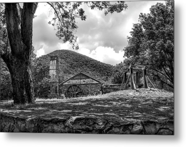 Sugar Plantation Ruins Bw Metal Print