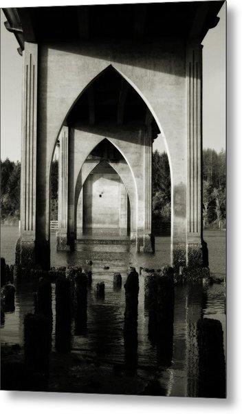 Suislaw River Bridge In Florence Oregon Metal Print
