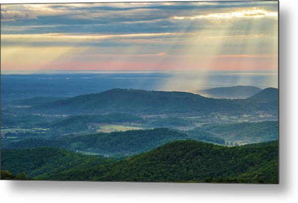 Metal Print featuring the photograph Sunrays Over The Blue Ridge Mountains by Lori Coleman