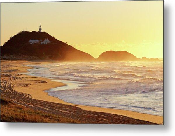 Sunrise At Sugarloaf Point Metal Print