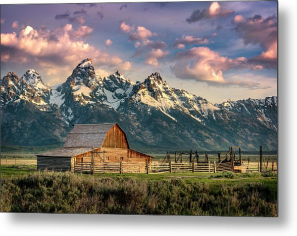 Sunrise In North Moulton Barn Metal Print