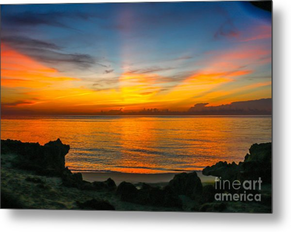 Sunrise On The Rocks Metal Print