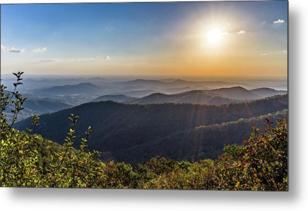 Metal Print featuring the photograph Sunrise Over The Misty Mountains by Lori Coleman