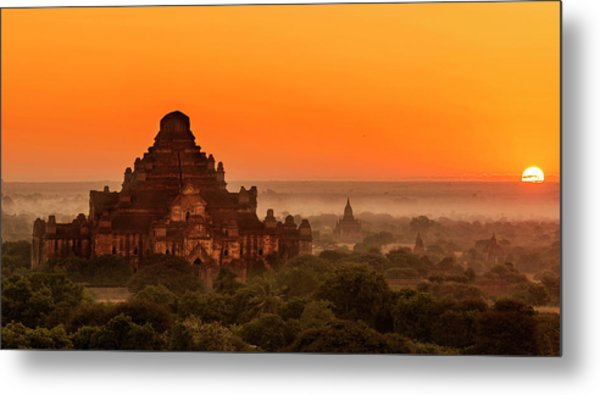 Metal Print featuring the photograph Sunrise View Of Dhammayangyi Temple by Pradeep Raja Prints