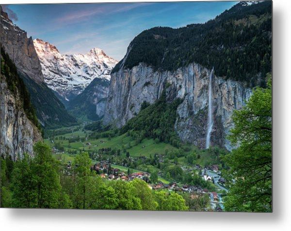 Sunset Above The Lauterbrunnen Valley Metal Print