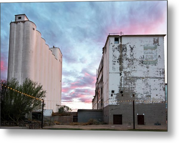 Sunset At The Historic Hayden Mill In Downtown Tempe Metal Print