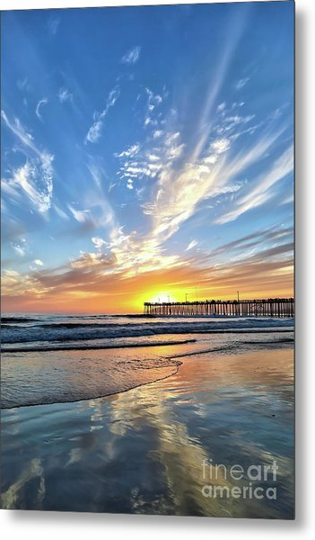 Sunset At The Pismo Beach Pier Metal Print