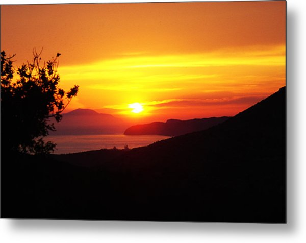 Sunset Metal Print by Jacqueline Doulis