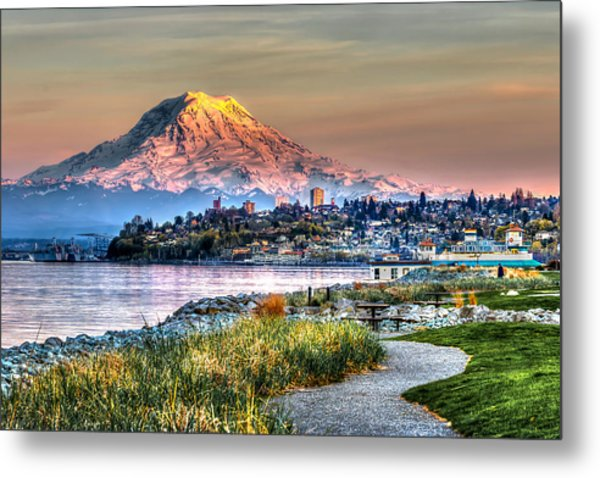 Sunset On Mt Rainier And Point Ruston Metal Print