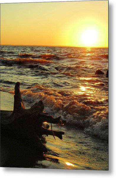 Sunset On The Beach Metal Print by Peter Mowry