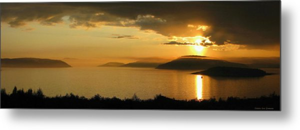 Sunset Over Blondin And Skin Island Metal Print by Laura Wergin Comeau