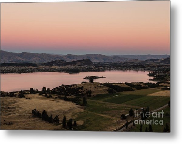 Sunset Over Lake Wanaka In New Zealand Metal Print
