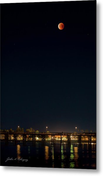 Super Blood Moon Over Ventura, California Pier Metal Print