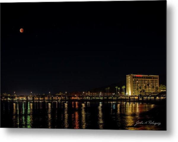 Super Blue Blood Moon Over Ventura, California Pier  Metal Print