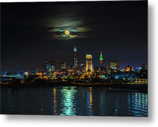 Super Full Moon Over Cleveland Metal Print