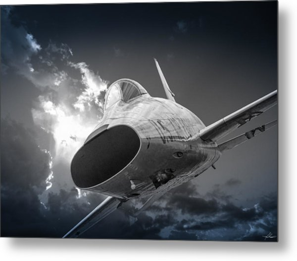 Super Sabre Rolling In On The Target Metal Print