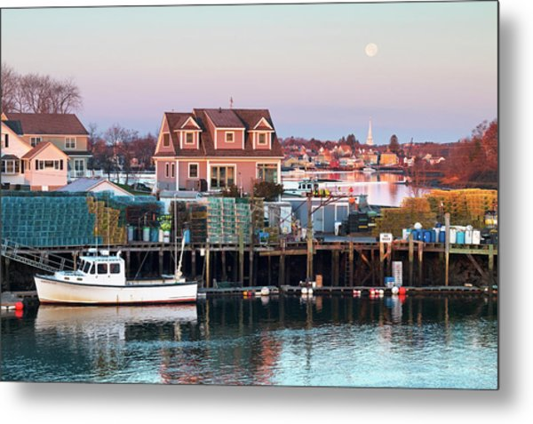 Supermoon Over Shapleigh Island Portsmouth Metal Print by Eric Gendron