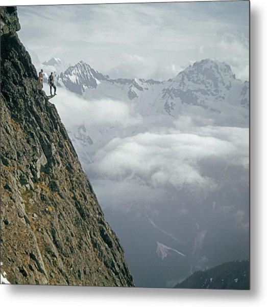 T-404101 Climbers On Sleese Mountain Metal Print
