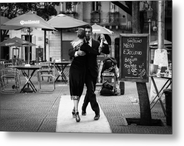 Tango In The Plaza Metal Print