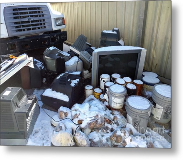 Televisions Paint Donated Potatoes  Metal Print by Steven Digman