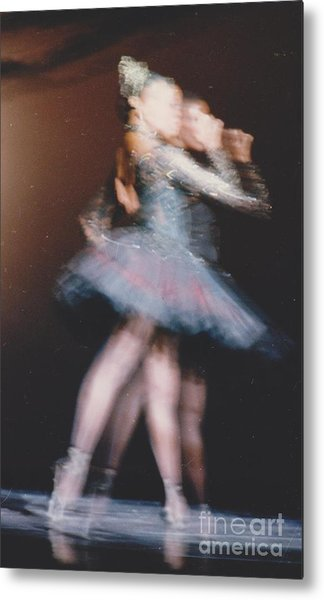 Tendu Back Metal Print