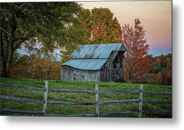 Metal Print featuring the photograph Tennessee Barn by David Waldrop