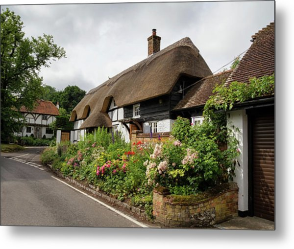 Thatched Cottages In Micheldever Metal Print