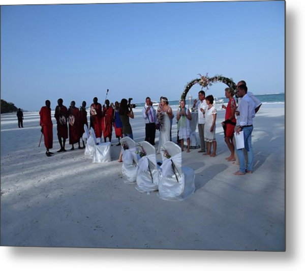 The Happy Couple - Married On The Beach Metal Print