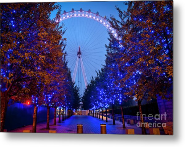 The London Eye At Night Metal Print by Donald Davis