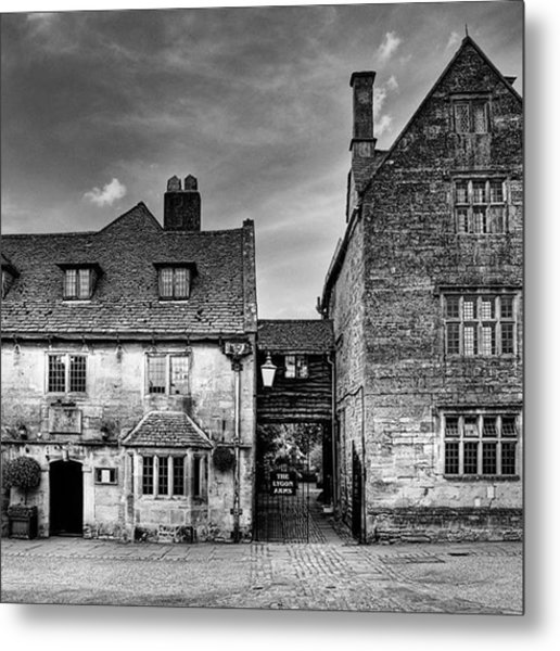 The Lygon Arms, Broadway Metal Print