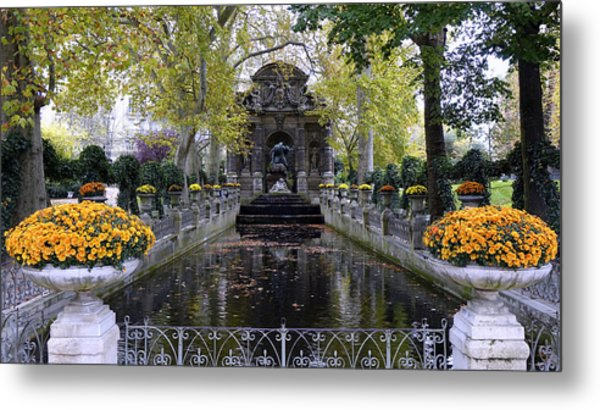 The Medici Fountain At The Jardin Du Luxembourg In Paris France. Metal Print